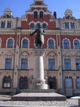 Памятник шведскому маршалу Торгильсу Кнутсену